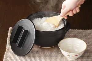 WEBメディア『モノナビ』にて「おひつにもなる美味しく炊ける釜戸炊飯器」が掲載されました。